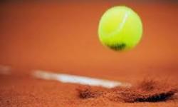 Tennis gravel bal